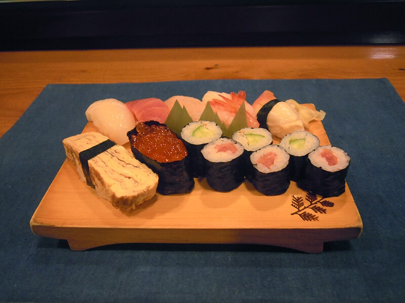Delux sushi plate