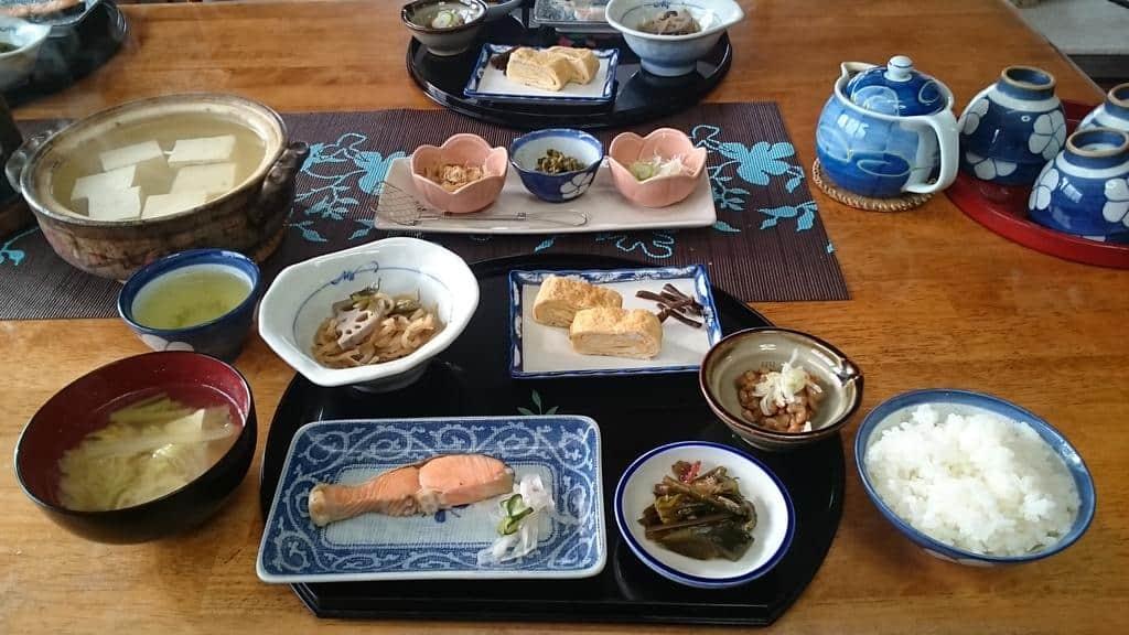 Lodge Amenouo food