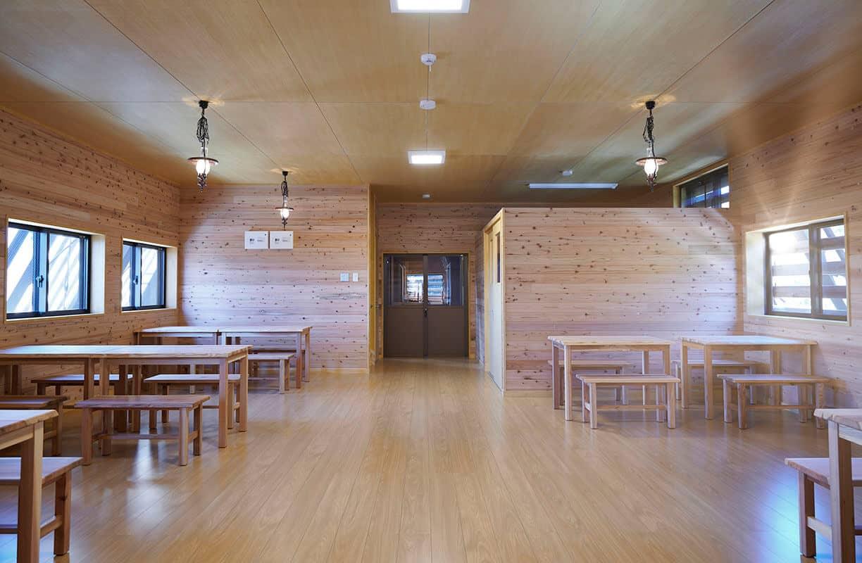 Koya Ike Hut dining area