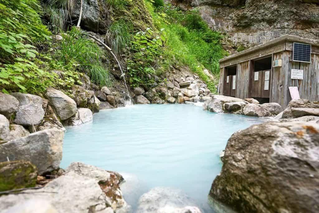 Tsubame Onsen - Kawara no yu outdoor bath